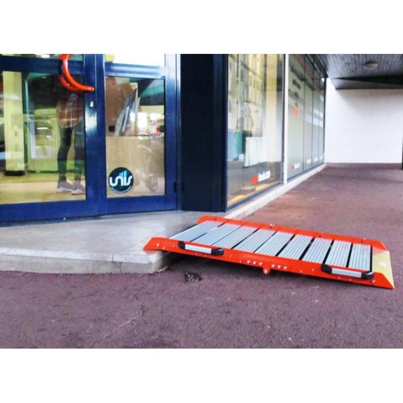 rampe d 39 acc s amovible pliante aluminium handicap s largeur 80cm. Black Bedroom Furniture Sets. Home Design Ideas