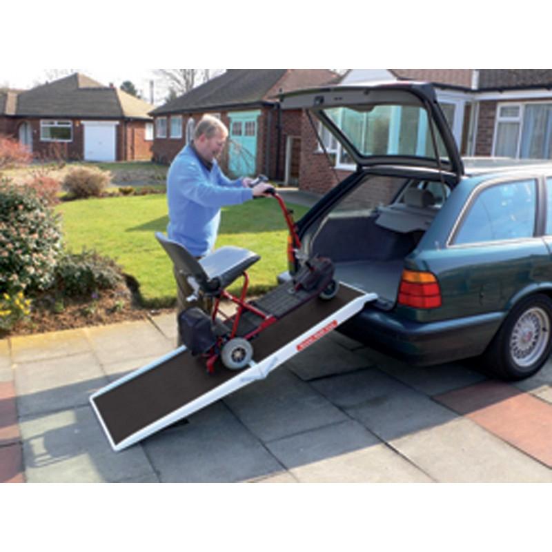 rampe de chargement v hicule pour fauteuil roulant et scooter pmr. Black Bedroom Furniture Sets. Home Design Ideas